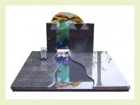 Impala met glaskunst en doorgezaagde rechthoek