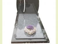 Zwart amulet met facet
