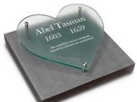 Glazen urnmonument - Tasman