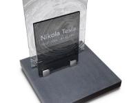 Glazen urnmonument - Tesla